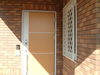 ソーラーサーキットの家 − 玄関ドア